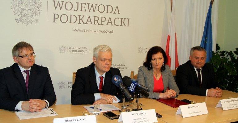 Wiceminister Piotr Gryza o sieci szpitali