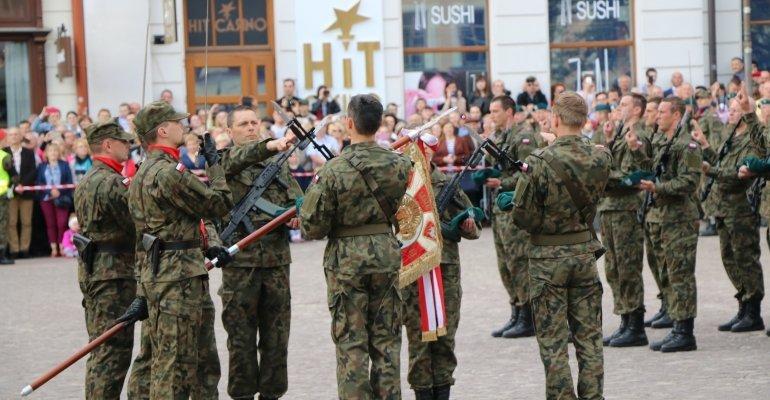 Ślubowanie ochotników do Wojsk Obrony Terytorialnej