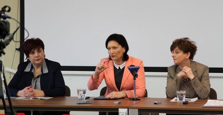 Spotkanie dotyczące reformy oświaty