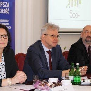 Wiceminister Krzysztof Michałkiewicz o polityce rodzinnej i senioralnej