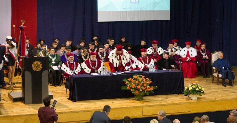 Prof. Jan Miodek doktorem honoris causa Uniwersytetu Rzeszowskiego