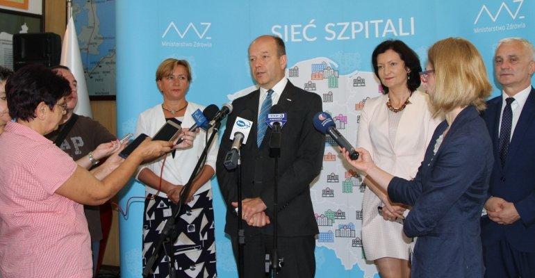 Minister Konstanty Radziwiłł o medycynie szkolnej i sieci szpitali