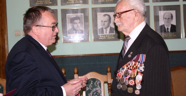 Wicewojewoda wręczył Krzyż Komandorski Orderu Odrodzenia Polski