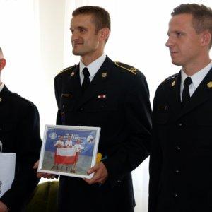 Gratulacje dla strażaków