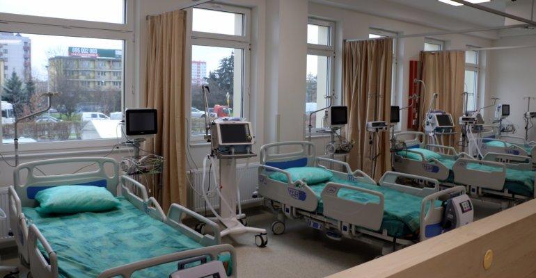 Konferencja prasowa wojewody na temat utworzenia szpitala tymczasowego
